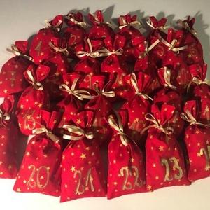 Adventi naptárhoz számozott zsákocskák , Karácsony & Mikulás, Adventi naptár, Varrás,  \n A 24 darab zsákocska apró ajándékok elrejtésére szolgál. 10 X 17 cm-esek. Aranyszínű szaténszalag..., Meska
