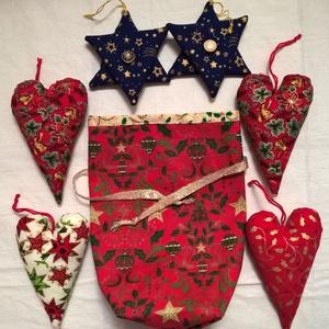 Karácsonyi dísz szett I., Otthon & Lakás, Karácsony & Mikulás, Karácsonyfadísz, Patchwork, foltvarrás, Varrás, Karácsonyi mintás pamutvászon anyagokból készítettem ezeket a díszeket. Lakásdekoráláshoz, fenyődísz..., Meska