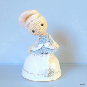 Marie Antoinette rokokó királylány, horgolt játék vagy polcdísz, Játék & Gyerek, Baba, Baba & babaház, Marie Antoinette francia királylány, horgolva. Egyedi tervezésű és teljes egészében kézzel készült, ..., Meska