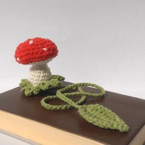 Gomba 3D könyvjelző, Könyvjelző, Papír írószer, Otthon & Lakás, Horgolás, A könyvből kinőtt gomba egy eredeti könyvjelző. Pamut-akril, könnyen mosható fonalból horgoltam, saj..., Meska