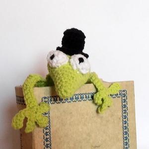 Könyvből szabaduló gekkó, vicces könyvjelző, tökéletes ajándék!, Otthon & Lakás, Könyvjelző, Papír írószer, Horgolás, Meska