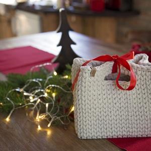 Csomagoló kosár, ajándék kosár, Otthon & lakás, Dekoráció, Ünnepi dekoráció, Karácsony, Ajándékzsák, Lakberendezés, Tárolóeszköz, Kosár, Horgolás, Eldobható csomagolópapír/zacskó helyett használható ez a praktikus, vastag zsinórfonalból horgolt ko..., Meska