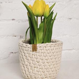 Kaspó ekrü színben, Otthon & lakás, Dekoráció, Ünnepi dekoráció, Anyák napja, Lakberendezés, Kaspó, virágtartó, váza, korsó, cserép, Horgolás, Ez az egyedi kaspó biztosan feldobja a szoba hangulatát. Ha nem virágot szeretnél benne tartani, akk..., Meska
