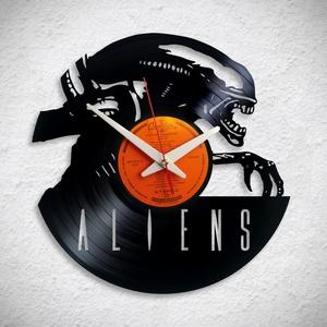Alien -  Giger  - Bakelit falióra, Otthon & Lakás, Dekoráció, Falióra & óra, A Fonografik bakelitóra nem csak neked fog tetszeni! :)  INGYEN POSTA! A sajnálatos helyzetre való t..., Meska