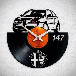 Alfa Romeo 147 - Bakelit falióra, Otthon & Lakás, Dekoráció, Falióra & óra, Újrahasznosított alapanyagból készült termékek, A Fonografik bakelitóra nem csak neked fog tetszeni! :)\n\nINGYEN POSTA! A sajnálatos helyzetre való t..., Meska