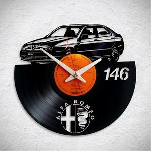 Alfa Romeo 146 - Bakelit falióra, Otthon & Lakás, Dekoráció, Falióra & óra, Újrahasznosított alapanyagból készült termékek, A Fonografik bakelitóra nem csak neked fog tetszeni! :)\n\nINGYEN POSTA! A sajnálatos helyzetre való t..., Meska