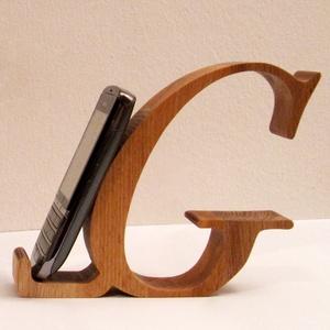 """Mobiltartó \""""G\"""" betűvel, Otthon & lakás, Dekoráció, Lakberendezés, Tárolóeszköz, Egyéb, Famegmunkálás, Polcra, éjjeli szekrényre, kis asztalra helyezhető, """"G"""" betű formájú asztali mobiltartó.\n\nAnyaga: 28..., Meska"""