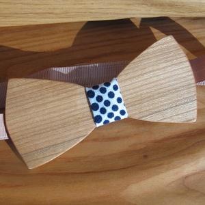 Fa csokornyakkendő pöttyös anyaggal, Nyakkendő, Kiegészítők, Esküvő, Famegmunkálás, Varrás, Fa csokornyakkendő pöttyös anyaggal kombinálva. Hordható farmer, de bármilyen más elegáns anyagból k..., Meska