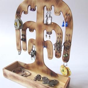 Ékszertartó fa - 20 pár fülbevalónak, gyűrűknek, Ékszertartó állvány, Ékszertartó, Ékszer, Famegmunkálás, Ezen a kézzel készített, saját tervezésű, szomorúfűz formájú ékszertartón fülbevalókat, az alsó kis ..., Meska