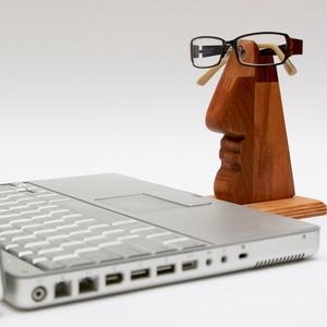 Szemüvegtartó és lakásdísz ! - nemcsak könyvbarátoknak, Táska, Táska, Divat & Szépség, Pénztárca, tok, tárca, Szemüvegtartó, Famegmunkálás, Kié a szemüveg? Az enyém vagy az övé? Tesszük fel a kérdést ezen használati tárgy láttán.\n\nMinden sz..., Meska