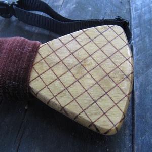 Kockás csokornyakkendő akácfából (FromWood) - Meska.hu