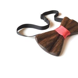 Diófa csokornyakkendő (vörös szaténnal) (FromWood) - Meska.hu