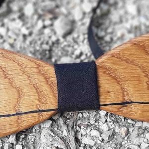 Tölgyfa csokornyakkendő - fekete design, Esküvő, Férfiaknak, Ing, Vőlegényes, Famegmunkálás, Egyetlen és egyedi.\n\nÍme Knot Filler sorozatunk egy újabb darabja. Mi is az a Knot Filler?\n\nEz egy o..., Meska