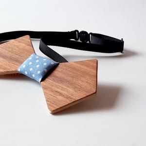 Fa csokornyakkendő dió furnérral (kék pöttyös) - esküvő - kiegészítők - nyakkendő - Meska.hu