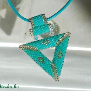 Türkiz háromszög szett (fruzsgyongy) - Meska.hu