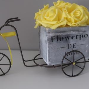 Biciklis virágbox, Esküvő, Esküvői dekoráció, Otthon & lakás, Dekoráció, Dísz, Lakberendezés, Asztaldísz, Mindenmás, Jelenleg nyolc színben elérhető. Igazán mutatós virágos bicikli. A lakás bármely pontját feldobja. T..., Meska