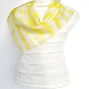 Sárga - fehér csíkos selyemkendő, Táska, Divat & Szépség, Sál, sapka, kesztyű, Ruha, divat, Kendő, Gyerek & játék, Selyemfestés, Kézzel festett saját tervezésű selyemkendő\n\nBőrbarát alapanyagok - 100% hernyóselyem | Ponge 5 \n\nmér..., Meska