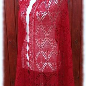 Kármen stóla, Táska, Divat & Szépség, Ruha, divat, Női ruha, Estélyi ruha, Kötés, Haapsalu sall - így hívják észt nyelven ezt a habkönnyű vállkendőt. Több mint 100 éves hagyománya va..., Meska