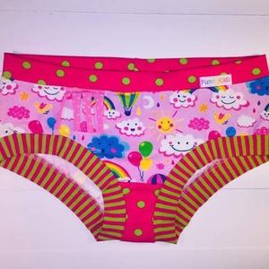 PINK felhők mintás kislány bugyi, Táska, Divat & Szépség, Ruha, divat, Gyerekruha, Gyerek (1-10 év), Varrás, Rózsaszín-pink színvilágú felhő, szivárvány, napocska mintás kislány bugyi pink-kivi pöttyös és pink..., Meska