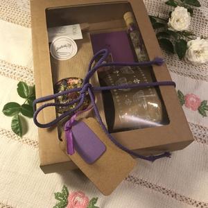 Királyi kulinária csomag, Élelmiszer, Ajándék gasztro kosár, Királyi lilában, csemegék és egy szép könyv. Tartalma 1 db Levendula 2.0 című könyv 1 csomag Boldog ..., Meska