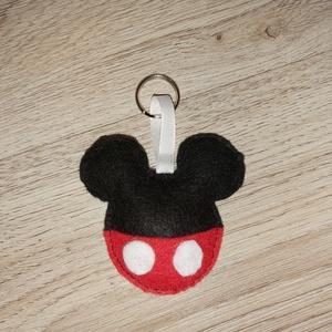 Mickey kulcstartó, Táska & Tok, Kulcstartó & Táskadísz, Kulcstartó, , Rendelésre készítek Mickey kulcstartót! 4 féle változatban. Filc anyagból készítem, kézzel varrva. A..., Meska