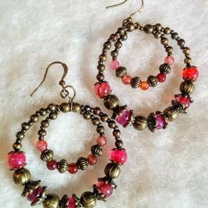 Boho chic- pink- bohém achát fülbevaló, Ékszer, Fülbevaló, Ékszerkészítés, Dupla karikás fülbevaló, lilás rózsaszínes achát gyöngyökkel , virágos réz köztessel, réz gömbbel, ..., Meska