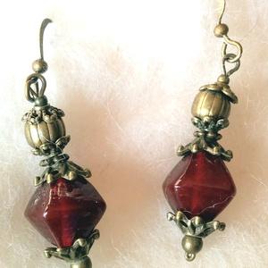 Rubinvörös romantikus  üveg fülönfüggő, Ékszer, Fülbevaló, Lógó fülbevaló, Ékszerkészítés, Újrahasznosított alapanyagból készült termékek, Meska