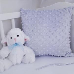 Rácsvédő párna, Párna & Párnahuzat, Lakástextil, Otthon & Lakás, Varrás, Praktikus rácsvédő párna, szürke minky.\n\nKiságyon kívül is használhatóak a párnák, ha már a baba kin..., Meska