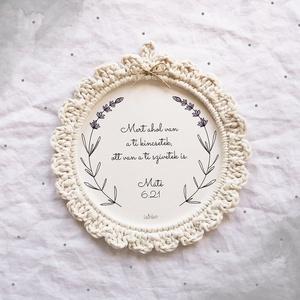 Levendulás horgolt képkeret egyedi felirattal, Képkeret, Dekoráció, Otthon & Lakás, Papírművészet, Horgolás, Levendulás horgolt képkeret, natúr fehér színben.\nBelseje 300 g-os kreatív papírból készül, melynek ..., Meska