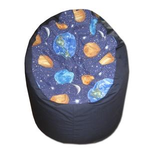 Space-sötétkék babzsákfotel, Bútor, Otthon & lakás, Lakberendezés, Babzsák, Varrás, Varázslatos színek, felülmúlhatatlan kényelem.\r\nFotel fazonú babzsi, mely kiterítve pocolásra is rem..., Meska