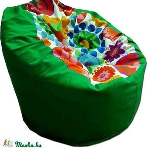 Virágos-zöld babzsákfotel felnőtt, Bútor, Otthon & lakás, Lakberendezés, Babzsák, Varrás, Varázslatos színek, felülmúlhatatlan kényelem.\r\nFotel fazonú babzsi, mely kiterítve pocolásra is rem..., Meska