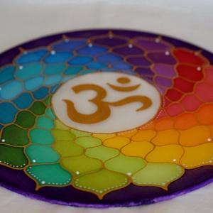 Csakra színkör (30 cm-es mandala), Otthon & Lakás, Dekoráció, Mandala, Festett tárgyak, 30 cm átmérőjű  vászonra festett mandala a Korona csakra csodaszép szimbólumával.\n Ez a mandala a te..., Meska