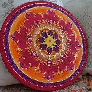 Életöröm mandala (35 cm), Otthon & Lakás, Dekoráció, Mandala, Festett tárgyak, letöröm mandala\n35 cm-es vászonra festett mandala a késő őszi erdő narancsos, pirosas faleveleinek é..., Meska
