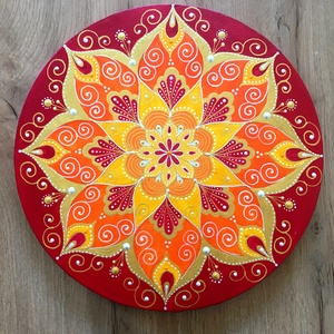 Napvirág mandala (35 cm), Otthon & Lakás, Dekoráció, Mandala, Festett tárgyak, 35 cm-es vászonra festett kép nyári tüzes piros, napsárga és mandarin árnyalatokban.\nSaját tervezésű..., Meska