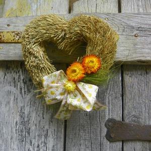 Varázslatos romantika- EGYEDI koszorú,ajtódísz,kopogtató, Dekoráció, Otthon & lakás, Lakberendezés, Ajtódísz, kopogtató, Dísz, Virágkötés, Mindenmás, Örök  a sziv -forma, szerelem,szeretet jelképe.Eltudom képzelni, romantikus, vidéki esküvői dekoráci..., Meska