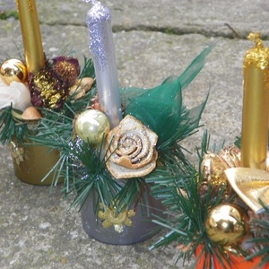 """Karácsonyi asztaldíszek, Dekoráció, Otthon & lakás, Ünnepi dekoráció, Asztaldísz, Lakberendezés, Karácsony, Újrahasznosított alapanyagból készült termékek, Virágkötés, Aranyos kis asztaldíszek díszithetik otthonod \nméret magasság:17cm\n           átmérő:7cm \""""kaspó-össz..., Meska"""