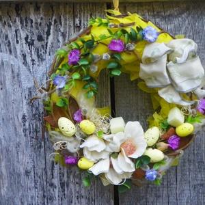 Kikelet- tavaszi,húsvéti ajtódísz.koszorú,kopogtató, Lakberendezés, Otthon & lakás, Ajtódísz, kopogtató, Dekoráció, Dísz, Virágkötés, Mindenmás, -Tavaszi,húsvéti díszítés.,virággal,tojással.\nméret 25cm\n , Meska
