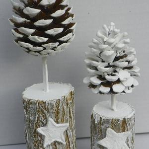 Zúzmarás erdő asztaldísz, téli dekoráció , Karácsonyi dekoráció, Karácsony & Mikulás, Otthon & Lakás, Újrahasznosított alapanyagból készült termékek, Virágkötés, Természetes anyagok felhasználásával készült  téli díszem,vintage stilusban\n\nméret 10-15cm rönk+tobo..., Meska