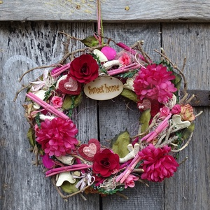 Vad románc- -TAVASZ-nyári (Nagy méret) rózsás,szíves ajtódísz,kopogtató,koszorú, Dekoráció, Otthon & lakás, Dísz, Lakberendezés, Ajtódísz, kopogtató, Famegmunkálás, Virágkötés, Tartós,üde, fiatalos,trendi ajtódíszt,falidíszt készítettem \n\nCsak arra vár hogy valaki haza vigye.\n..., Meska