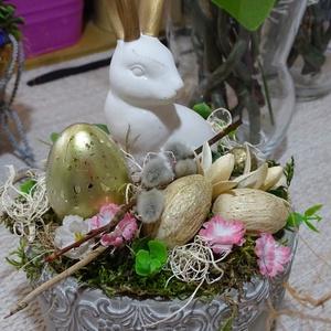 Húsvéti aranyfülű nyúl álmai-húsvéti asztaldísz, Otthon & Lakás, Dekoráció, Asztaldísz, Virágkötés, tartós húsvéti lakásdekoráció\n\nméret 9cmx17cm kaspó+őssz mag.23cm, Meska