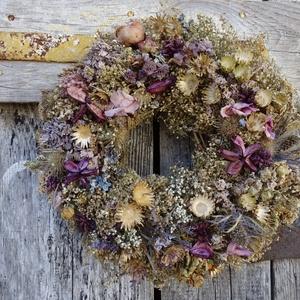Pasztell színekben pompázik - ajtódísz,koszorú,kopogtató,falidísz, Ajtódísz & Kopogtató, Dekoráció, Otthon & Lakás, Virágkötés, száritott ,illatos,növények ,romantikus kedvelőknek\nEgyedi\nméret 28cm, Meska