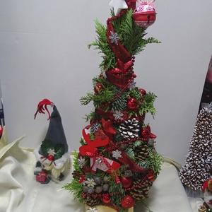 Akció Grincsfa-GRINCSIKE Karácsony ünnepén -nagy grincsfa,fenyőfa,asztaldísz,lakásdekoráció, Karácsony & Mikulás, Karácsonyi dekoráció, Virágkötés,  Nagy Grincsfa,de megállja helyét karácsonyfának is. \n\nDúsan díszített. piros,natúr,fehér ,ezüst szí..., Meska