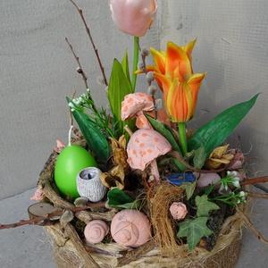 TAVASZTváró- tulipános asztaldísz,asztalközép-gyertya tojással, Otthon & Lakás, Dekoráció, Asztaldísz, Virágkötés, Tavaszt-Húsvétot idéző -tavasz szineivel asztaldísz,tulipánnal-kérhető sárga vagy zöld gyertya tojás..., Meska