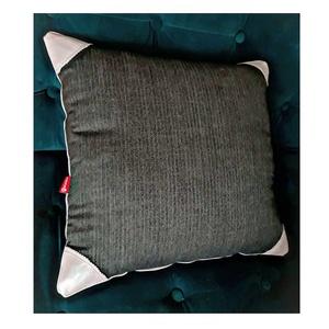 Gray párnahuzat, Otthon & lakás, Lakberendezés, Lakástextil, Párna, Szövet párnahuzat rózsaszín bőr sarkokkal, hátul zipzárral. 50 cm-es párnához. 2 db van készen...., Meska