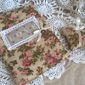 Romantikus rózsás Naplóborító- A5 Levendula lepkével, Otthon & Lakás, Könyv- és füzetborító, Papír írószer, A naplóborítót a Vintage kedvelőinek szántam, igazi romantikus hangulatú és egyedivé teszi a kedvenc..., Meska