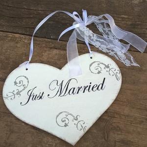 Rendelhető! Vintage esküvői szívtábla-shabby szív dekoráció fotózáshoz!, Dekoráció, Otthon & lakás, Dísz, Esküvő, Nászajándék, Festett tárgyak, Legyen esküvőd dísze!  Az esküvői tábládat egyéniségednek megfelelően szívesen elkészítem!\nVintage v..., Meska