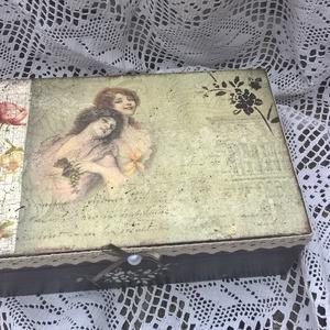 Romantikus rózsás- Ékszeres doboz,  (garievi) - Meska.hu