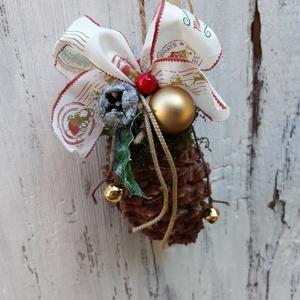 Karácsonyi Üdvözlet 3.- karácsonyi dekoráció, akasztós dísz, tobozdísz, Otthon & Lakás, Karácsony & Mikulás, Karácsonyi kopogtató, Varrás, Karácsonyi hangulatú óriás toboz, üdvözlia téli időszakban a hozzád látogatókat. \n\nA lakásban is fel..., Meska