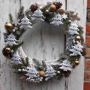 Csodás téli táj- Adventi, karácsonyi  óriás koszorú, bejárati ajtóra, téli dekoráció, Karácsony & Mikulás, Karácsonyfadísz, Virágkötés, Havas fák, Csodák, téli séta koszorúba kötve.\nTeheted az ajtódra, a szoba falára, konyhába, étkezőbe..., Meska