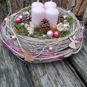 Rózsaszín karácsony- Adventi koszorú ,  karácsonyi  dekoráció, karácsonyi  asztali dísz, Karácsony & Mikulás, Karácsonyfadísz, Meghitt fények az ünnepi  karácsonyi asztalon A rózsaszínben pompázó  modern hatású kicsit romantiku..., Meska